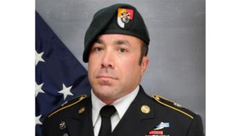 Soldier killed in Arizona 鈥榝ree fall鈥� exercise is 3rd military fatality from Chicago area in less than 2 weeks