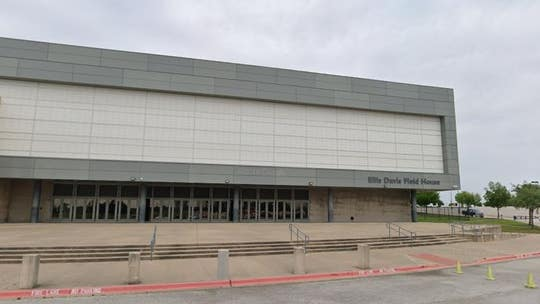 Texas man, 18, shot at high school basketball game has died