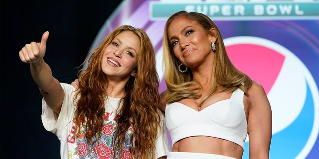Jennifer Lopez & Shakira Super Bowl 2020 Halftime Show Performance