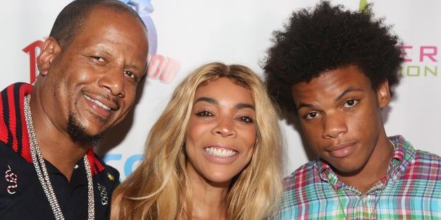 Wendy Williams (center) with her husband Kevin Hunter (left) and son Kevin Jr. (right) in 2017. (Photo by Bruce Glikas/Bruce Glikas/Getty Images)