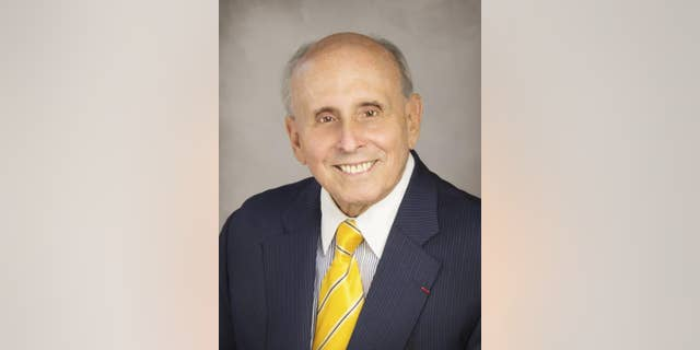 Raúl Valdés-Fauli, Mayor of Coral Gables, Florida (Photo courtesy of the City of Coral Gables).