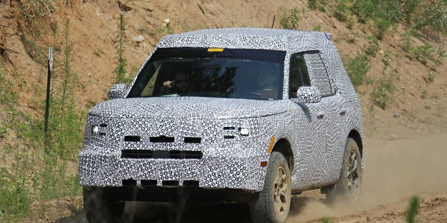 2021 ford bronco photographed before you u0026 39 re supposed to