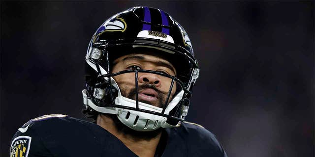 Earl Thomas (No. 29) of the Baltimore Ravens reacts after a play against the New England Patriots during a game in Baltimore, Nov. 3, 2019. He was held at gunpoint by his wife last month after she allegedly caught him cheating on her, police say. (Getty Images)