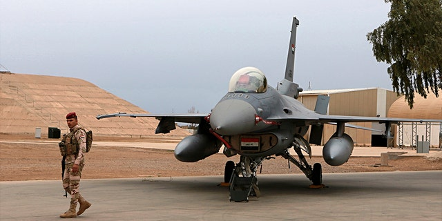 United States  base in Iraq hit by rockets, four officers injured