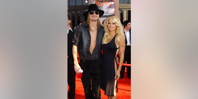 Kid Rock and Pamela Anderson at the 2003 American Music Awards.