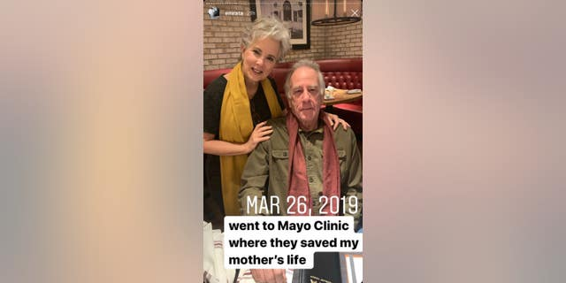 Mayo Clinic savedRatajkowski's mother's life in March