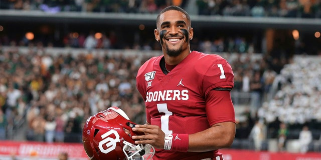 The Philadelphia Eagles drafted quarterback Jalen Hurts in the second round of the 2020 NFL Draft. (Rod Aydelotte/Waco Tribune Herald, via AP, File)