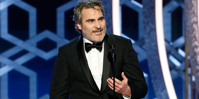 Actor Joaquin Phoenix called out fake Hollywood climate activists during his Golden Globes acceptance speech.