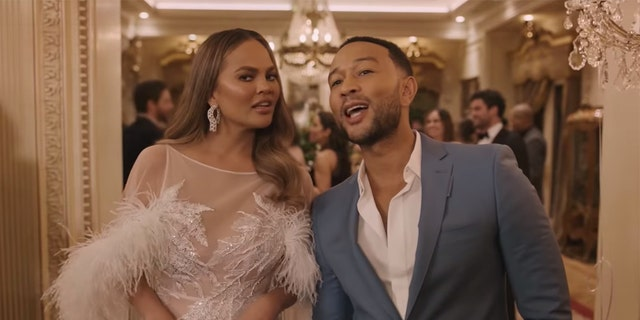 Chrissy Teigen (L) apologized for trolling people on the Internet in the past.
