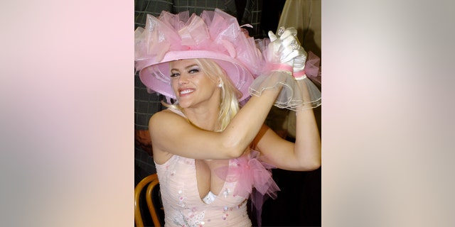 Actress and model Anna Nicole Smith attends the 130th Running of the Kentucky Derby May 1, 2004, in Louisville, Kentucky.