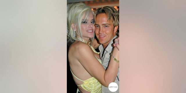 Anna Nicole Smith and Larry Birkhead during happier times.