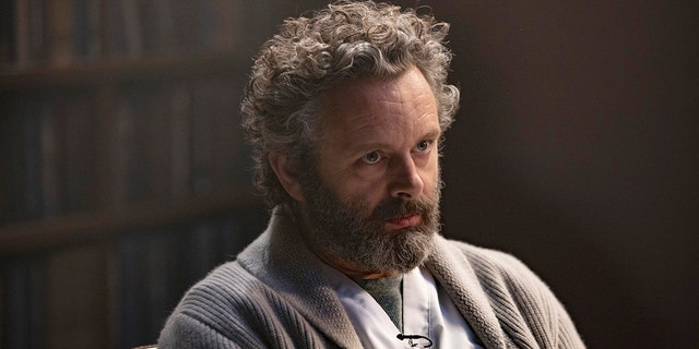 Michael Sheen explained that it's difficult to leave his serial killer role at work.