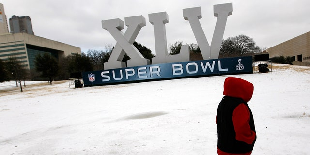 Westlake Legal Group Super-Bowl-XLV-GettyImages-108701131 How does weather for Super Bowl LIV compare to past games? Here are the top 5 worst weather moments Travis Fedschun fox-news/weather fox-news/us/us-regions/southeast/florida fox-news/us/us-regions/southeast fox-news/us/us-regions/midwest fox-news/us/disasters fox-news/news-events/super-bowl fox news fnc/sports fnc fea93b90-0554-549d-9b44-c00957b607fc article