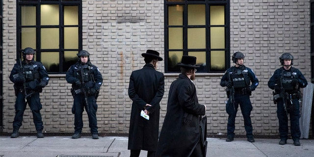 Westlake Legal Group Synagogue-AP Synagogues should use uniformed law enforcement for security, experts recommend Frank Miles fox-news/us/religion/judaism fox-news/us/military fox-news/us/crime/police-and-law-enforcement fox-news/topic/anti-semitism fox news fnc/us fnc dfc04529-ca8b-554a-a2aa-1c31aade4220 article