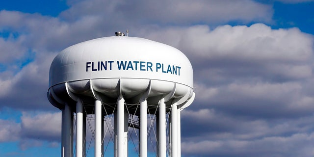 March 21, 2016: The water tower at the Flint water plant is seen in Flint, Michigan (AP Photo / Carlos Osorio, Archive)