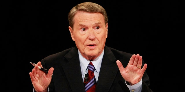Jim Lehrer during the first of three presidential debates before the 2008 election Sept. 26, 2008 in the Gertrude Castellow Ford Center at the University of Mississippi in Oxford, Miss. (Photo by Chip Somodevilla/Getty Images)