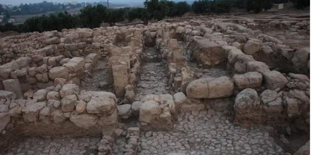Archaeologists believe this building served as an Israelite royal estate in the 9th century B.C.E.