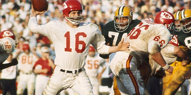 Len Dawson led the Chiefs to their first Super Bowl title. (Photo by James Flores/Getty Images)