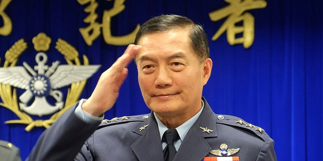 Top Taiwanese military official Shen Yi-ming salutes as he is introduced to journalists during a news conference in Taipei, Taiwan, March 7, 2019. (Associated Press)