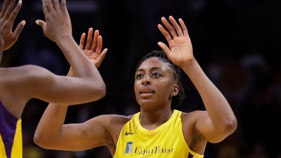 Ogwumike's putback lifts Sparks over Dream