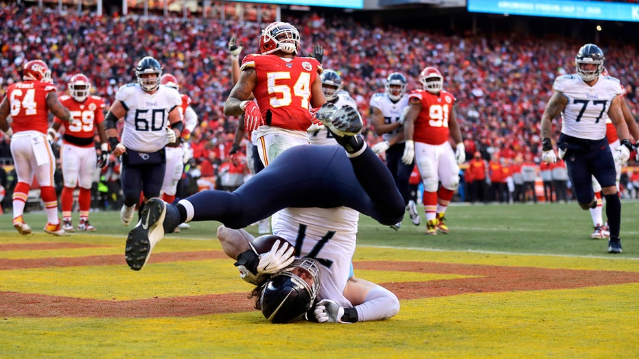 Westlake Legal Group Dennis-Kelly2 Tennessee Titans' Dennis Kelly sets big record with touchdown catch in AFC Championship game Ryan Gaydos fox-news/us/us-regions/southeast/tennessee fox-news/sports/nfl/tennessee-titans fox-news/sports/nfl/kansas-city-chiefs fox-news/sports/nfl fox-news/person/ryan-tannehill fox news fnc/sports fnc article 27deaf61-cb46-55d2-b846-c649e68614c6