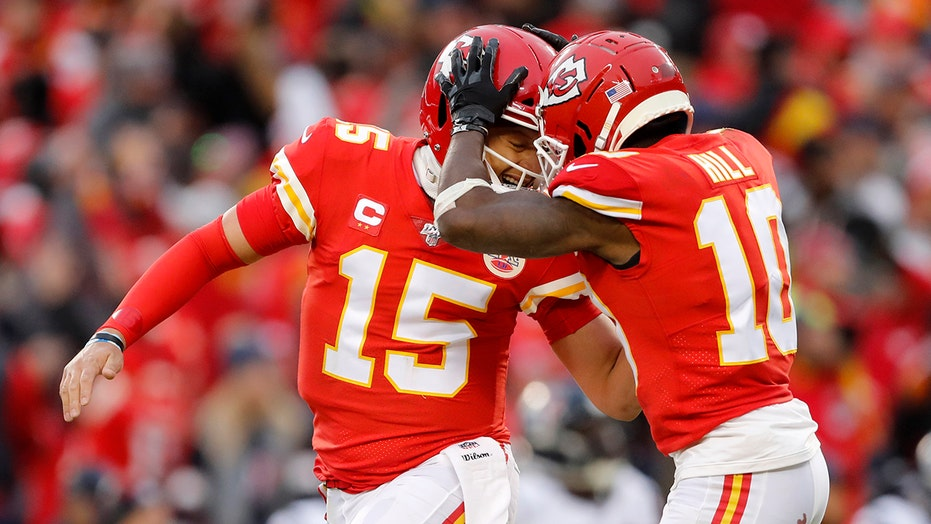 Tyreek Hill's first impression of Chiefs quarterback Patrick Mahomes: 'I thought he was trash'