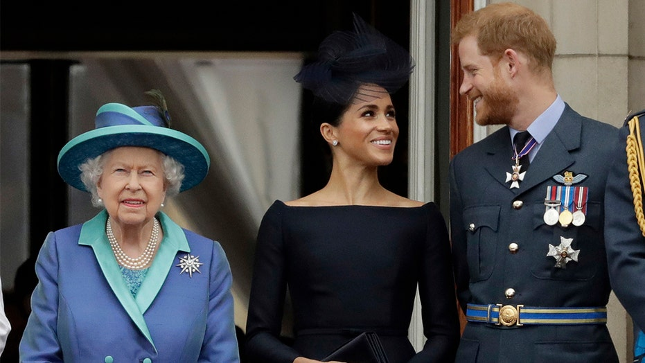 Queen issues statement on Meghan Markle, Prince Harry, agrees to part-time move to Canada