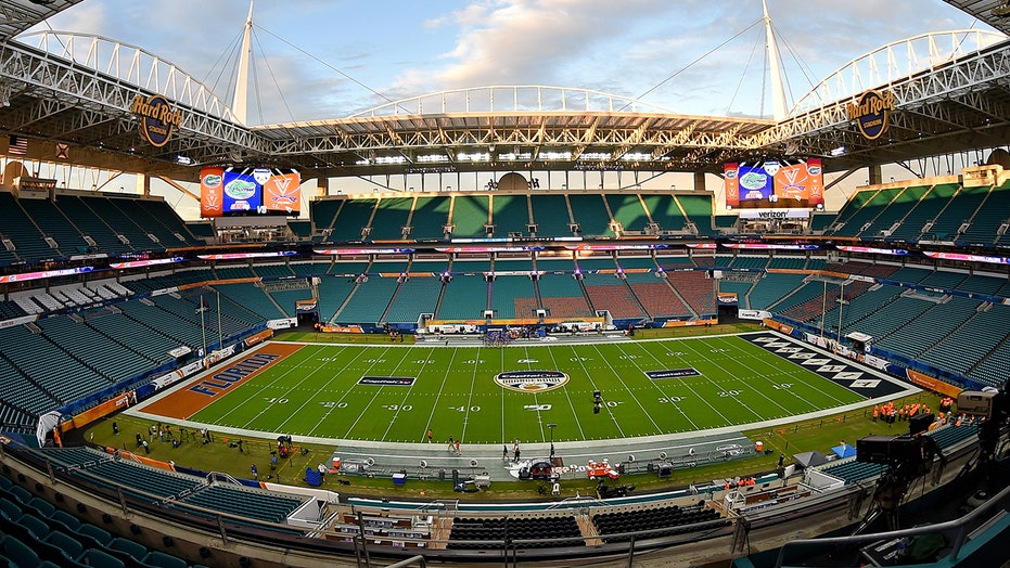 Dolphins to limit fans at stadium despite Florida governor's clearance for full capacity