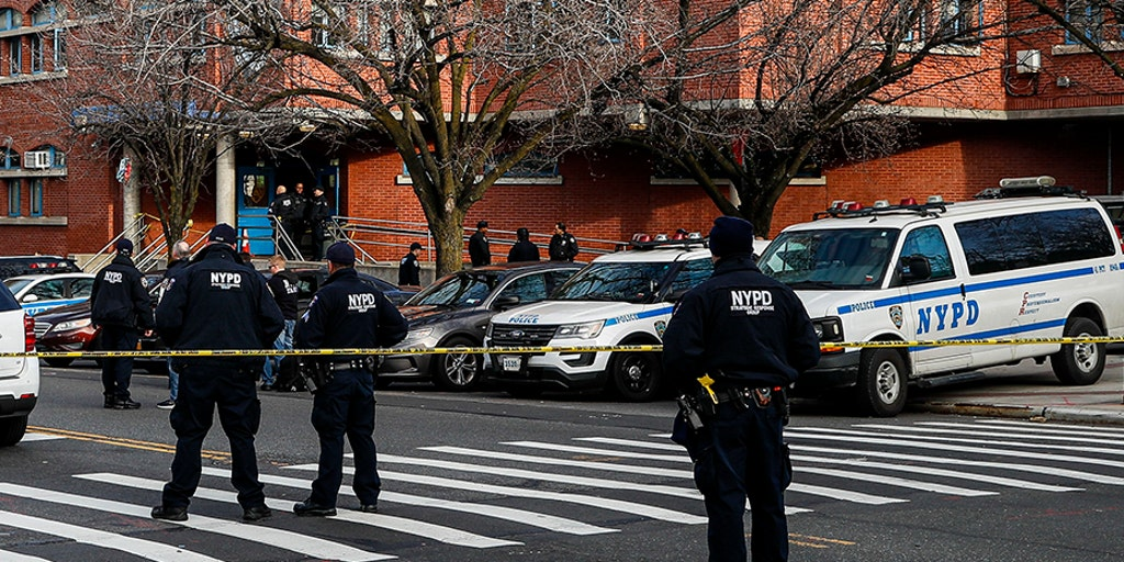 NYC cops 'declaring war' on Mayor de Blasio, union says, following 'assassination attempts' on officers | Fox News