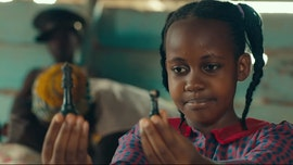 Child actor Nikita Pearl Waligwa, 'Queen of Katwe' star, dead at 15: reports