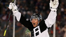 Toffoli scores NHL's first outdoor hat trick, Kings beat Avs