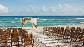 Bride, groom expect guests to sit through timeshare presentation as part of destination wedding