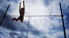 BYU Cougars pole vaulter needs stitches after horrific mishap