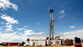 Oil and gas industry predicts fracking ban would cost US 7.5 million jobs by 2022