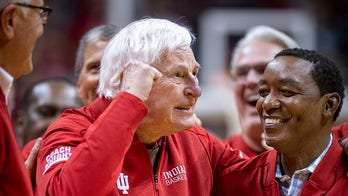 Bobby Knight welcomed back to Indiana University after 20 years