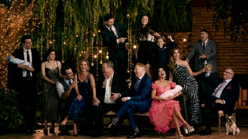 'Modern Family' cast shares emotional photos from reading the final episode's script