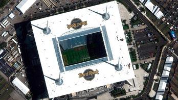 Parkland's Marjory Stoneman Douglas football team takes part in Super Bowl LIV rehearsal