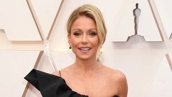 Kelly Ripa reveals gray roots during coronavirus quarantine with her family