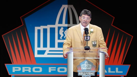 NFL greats cheer as Trump pardons former San Francisco 49ers owner Eddie DeBartolo Jr.