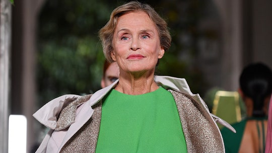 Supermodel Lauren Hutton, 76, says 'I usually get into bed with a good book or a good man'