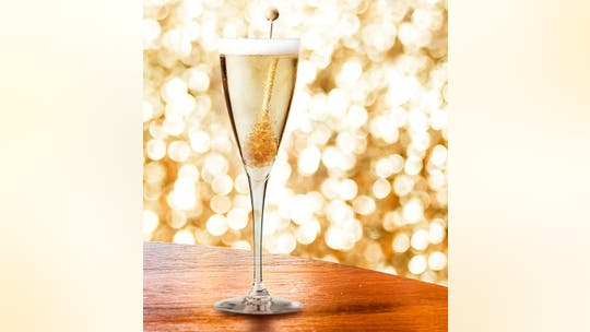 Oscar-worthy cocktails to serve at your Academy Awards bash
