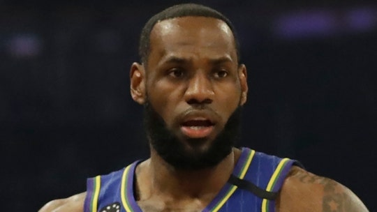 LeBron James calls on MLB's Rob Manfred to listen to players outraged over cheating scandal
