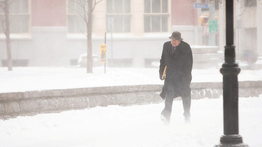 Eastern Great Lakes region pummeled by blizzard, 鈥榤onster鈥� lake effect snow band