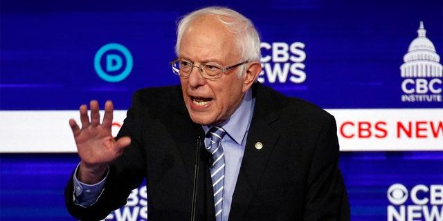 Garth Brooks was mistaken for a Bernie Sanders supporter.