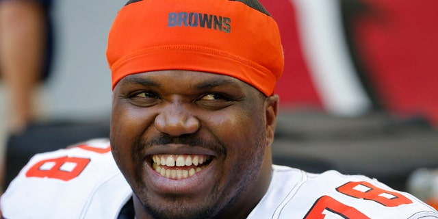 Browns' Greg Robinson arrested at border with 'a lot' of weed