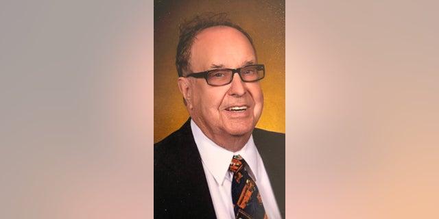 Glen Davis, 88, passed away in Grand Meadow, Minnesota, on Saturday, Feb. 15.