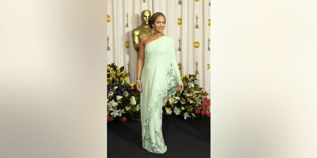 Jennifer Lopez at the 2003 Oscars. (Photo by J. Vespa/WireImage via Getty)