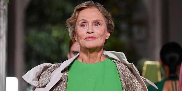 At age 76, supermodel Lauren Hutton is revealing her skincare and bedroom secrets.