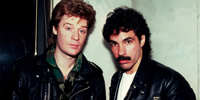 Portrait of American musicians Darryl Hall (left) and John Oates at the Whitehall Hotel, Chicago, Illinois, November 5, 1981.