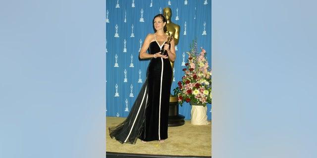 "2001: Julia Roberts winning best actress for her role in ""Erin Brockovich"""